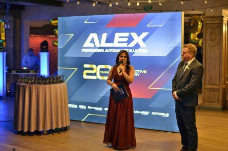 20-lat-alex-4