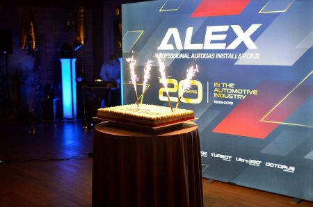 20-lat-alex-2